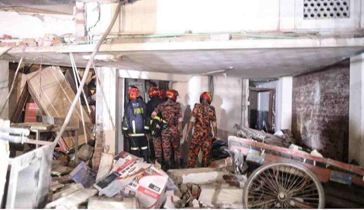 Moghbazar blast death toll climbs to 11