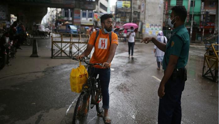 Lockdown: Police detain 373, arrests 76 for violating restrictions in Dhaka