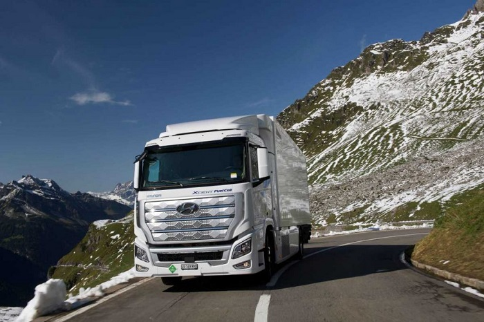 Fleets of Hyundai Xcient fuel cell trucks exceed 1m km driving