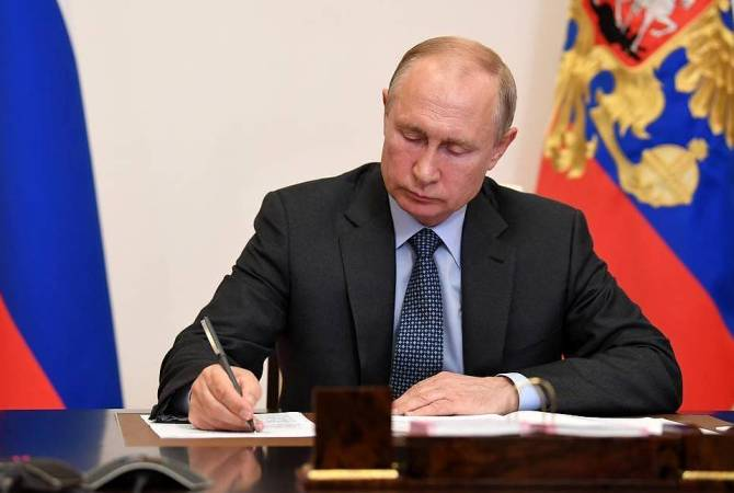 Putin signs law forcing foreign social media giants to open Russian offices