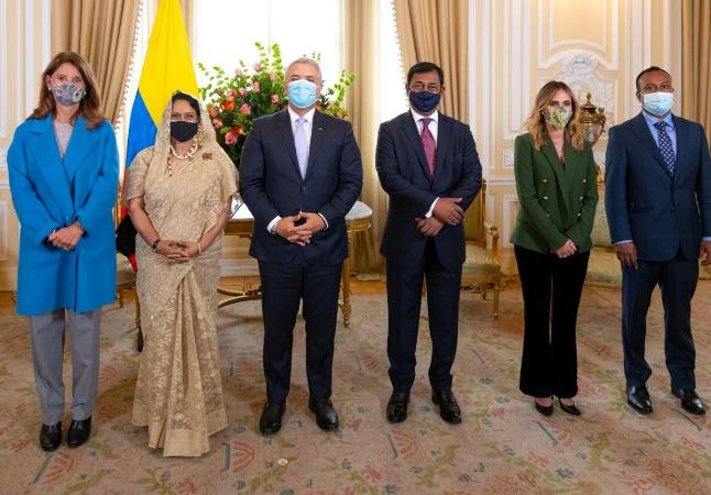 Shahidul presents credentials to Colombian President as the non-resident Ambassador