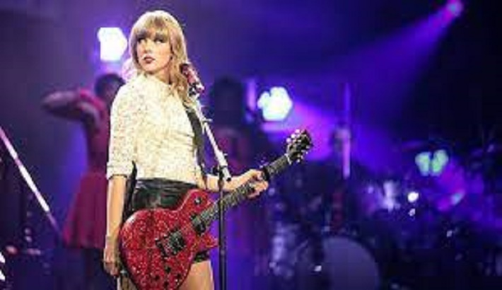 US officer plays Taylor Swift to try to block video