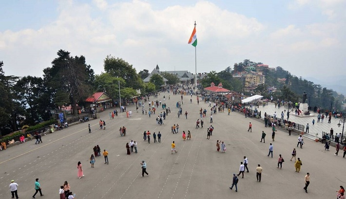 Tourists throng Himachal as heatwave hits plains