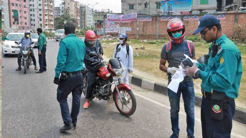 467 arrested; 1,087 vehicles fined Tk 25.29 lakh in Dhaka on 6th day of lockdown