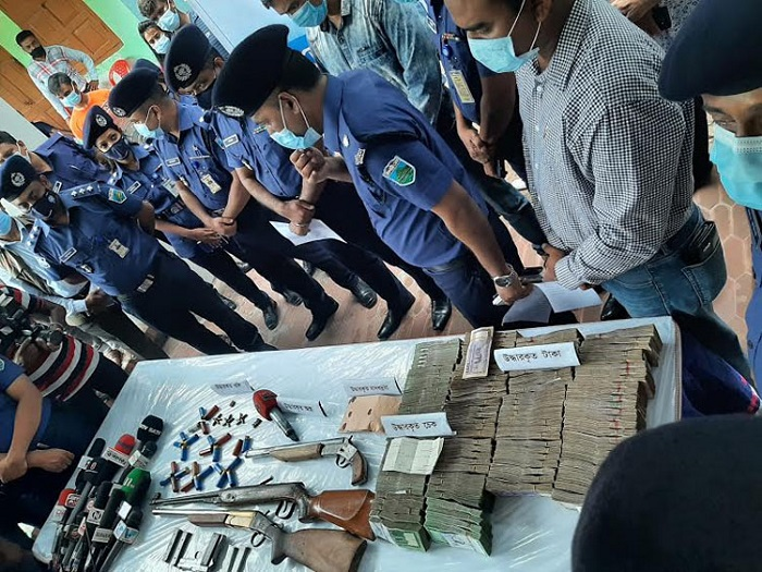 Firearms, drugs seized from Poura Mayor's residence in Rajshahi: 3 held