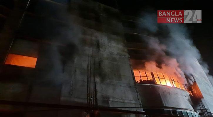2 female workers killed in Narayanganj Shezan Juice Factory fire