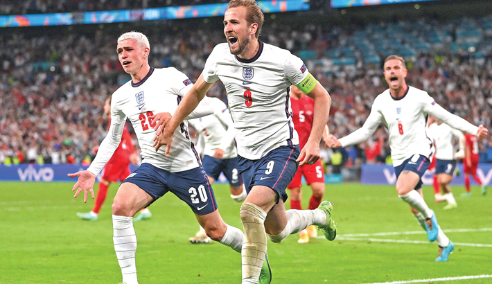 England dare to dream after setting up final against Italy