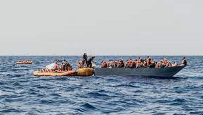 Italy allows rescue ship with 572 migrants to dock