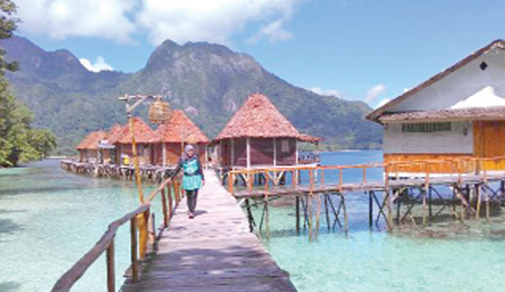 Bali boots tourists for breaking corona rules