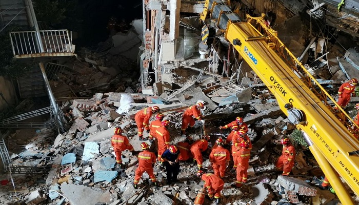 Seven more rescued from rubble of China hotel collapse