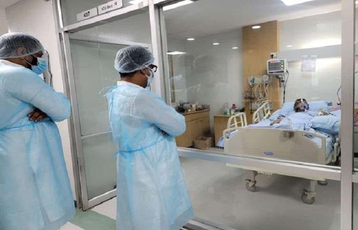 JS Whip Swapan visits ailing Prof Ali Ashraf at Square Hospital