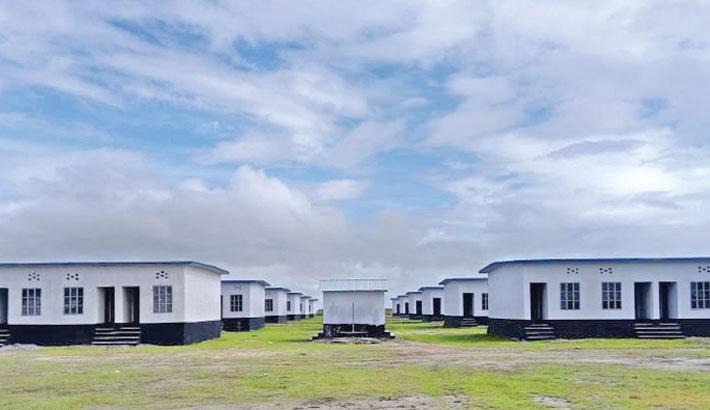 Navy hands over 80 barracks in Hatiya
