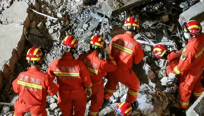 Final death toll in China hotel collapse put at 17