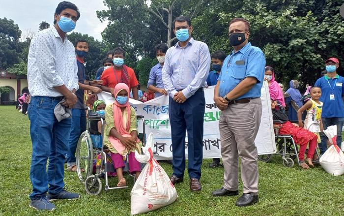Bashundhara Group distributes relief in  Rangpur, Gaibandha