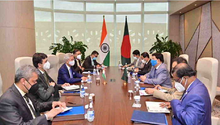 Momen discusses Rohingya issues, vaccine cooperation with India, China