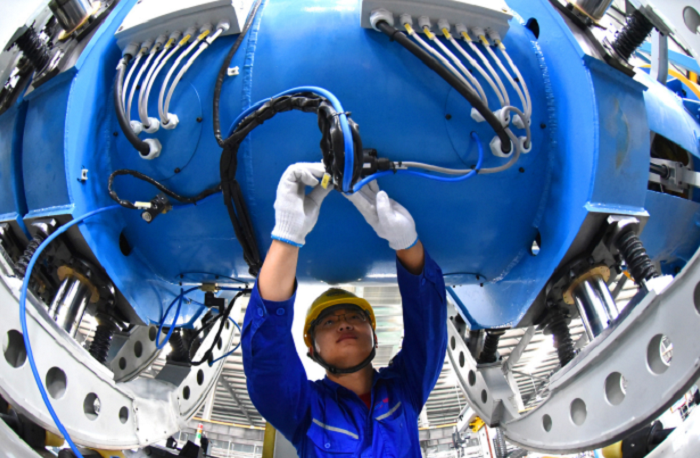 China's economy grows 12.7% in H1