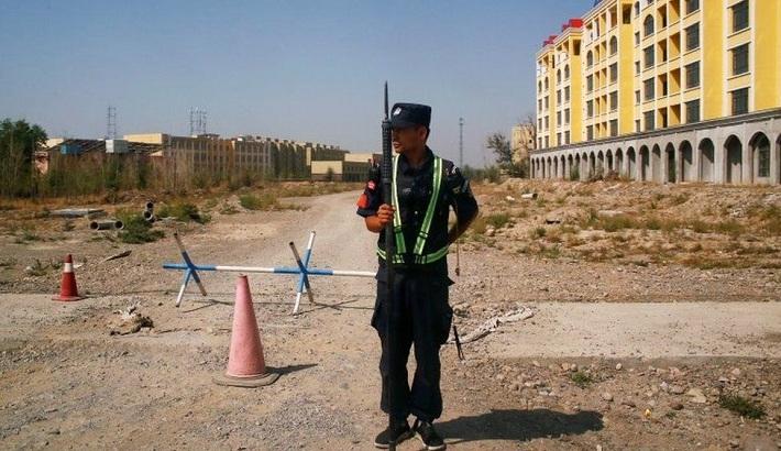 Uyghurs: US Senate passes bill to ban Xinjiang imports