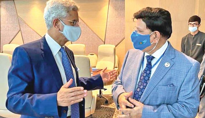 Momen holds meeting with Jaishankar