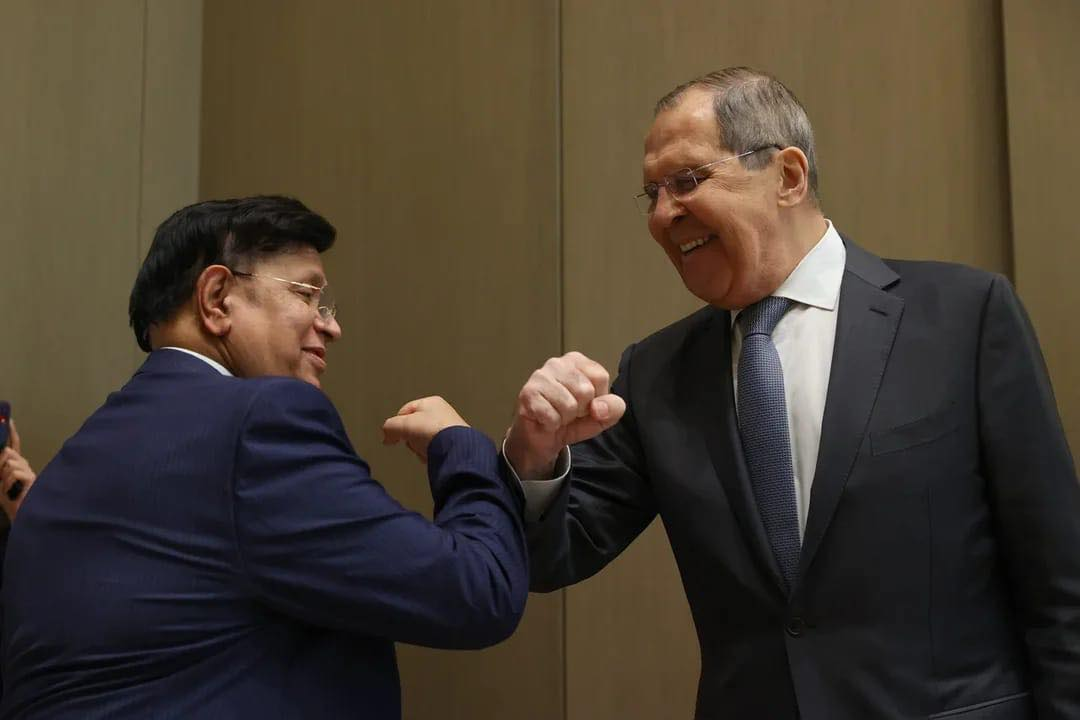 Momen holds talks with Russian FM, seeks cooperation in Rohingya repatriation