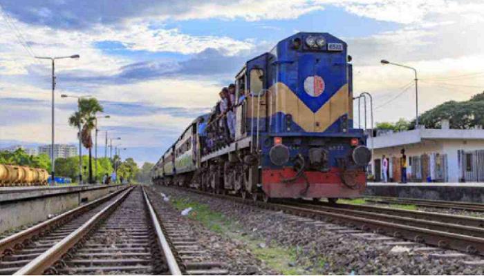 Special cattle train starts on Chapainawabganj-Dhaka route