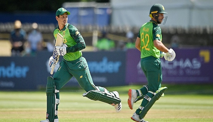 Malan and De Kock hundreds help South Africa square Ireland series