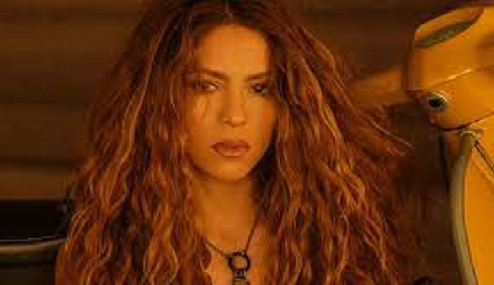 Shakira releases her new single Don't Wait Up