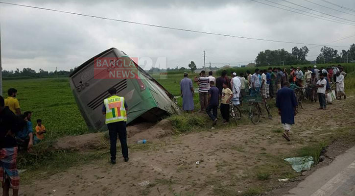 6 killed, 50 injured as two buses collide in Rangpur