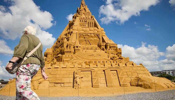 Denmark builds world's tallest Sandcastle, enters Guinness World Records