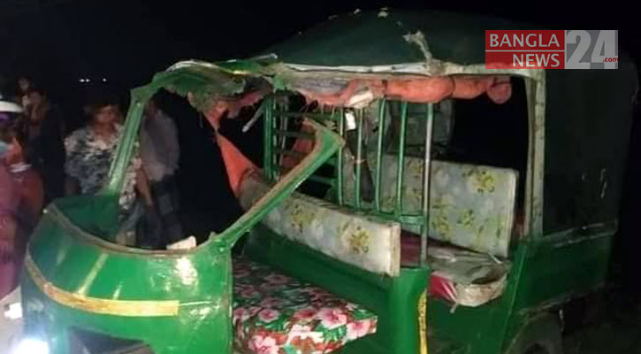 Rajbari road crash kills 3 members of a family