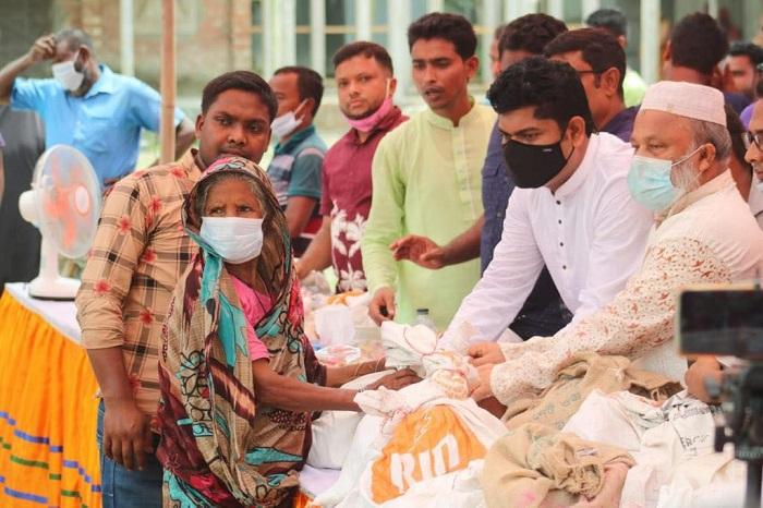 Helpless people get Eid gifts in Nageshwari upazila