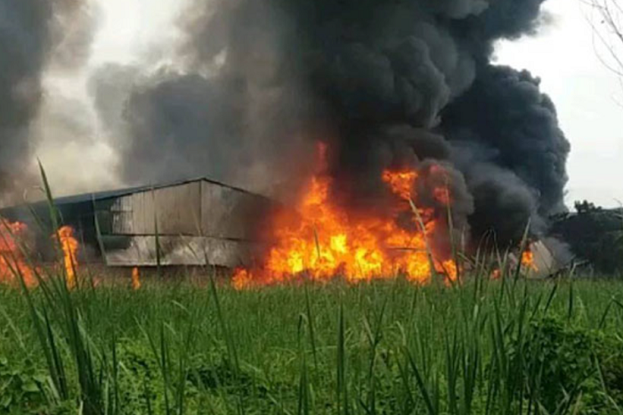 Huge fire breaks out at chemical factory in West Bangal