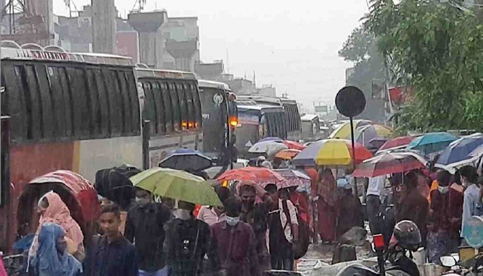 Gazipur gridlocked amid pandemic as hundreds head home for Eid