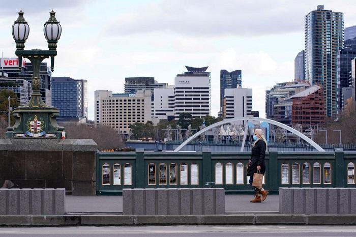 Australia, under lockdown, sees jump in COVID-19 cases