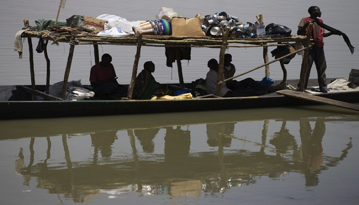 At least 20 dead in Mali boating accident
