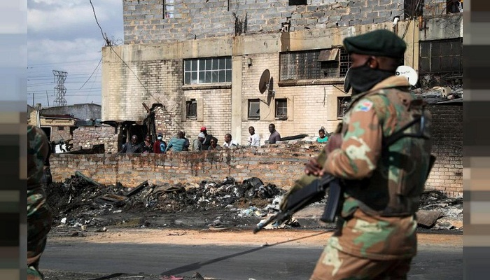 Death toll in South Africa unrest rises to 276: govt