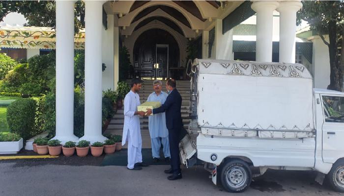 'Haribhanga' also goes to Imran Khan as Hasina's surprise gift