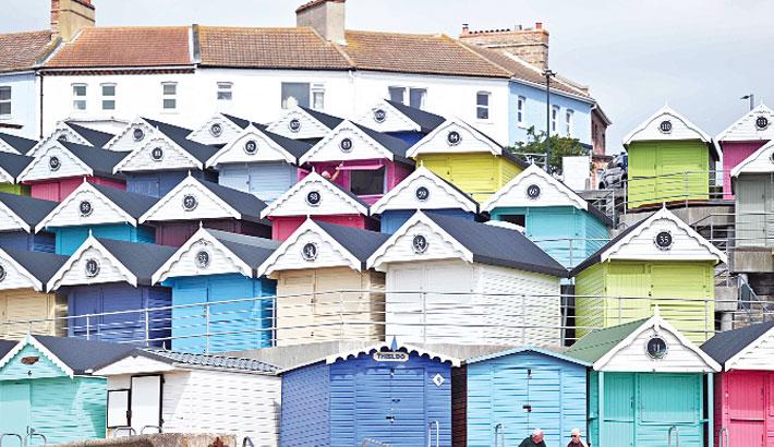 UK beach huts brighten pandemic gloom