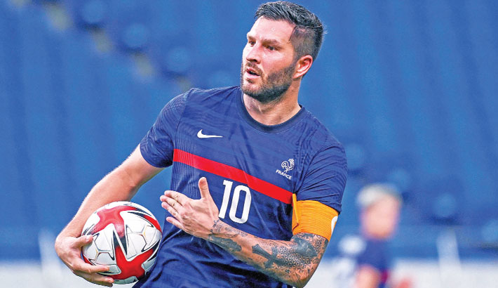 Champions Brazil held as Gignac rescues France