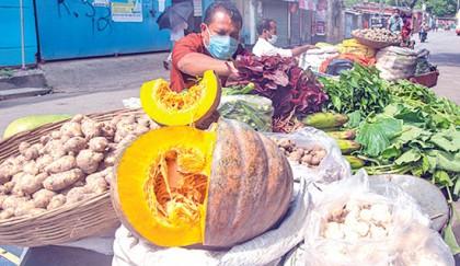 Door-to-door sales of essentials get popular in Bagerhat