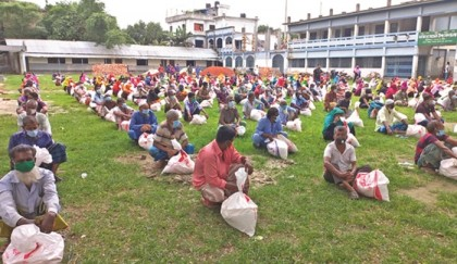 Bashundhara Group distributes relief at different places in Bogura