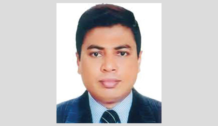 Outgoing Khulna DC receives Public Admin Medal for 3rd time