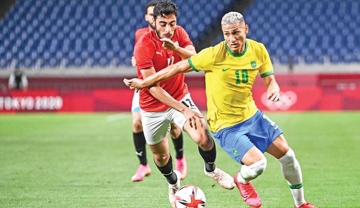 Spain, Brazil in semis