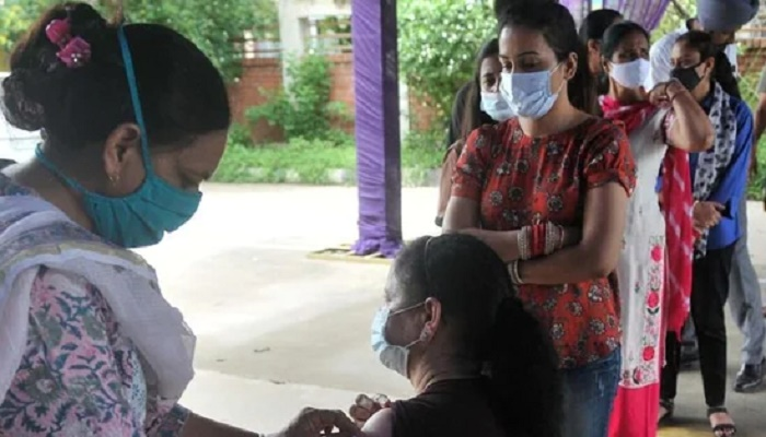 India sees 41,831 new Covid-19 infections, positivity rate touches 2.34%