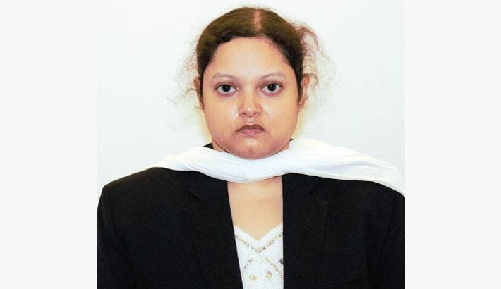 Female doctor held for defrauding people
