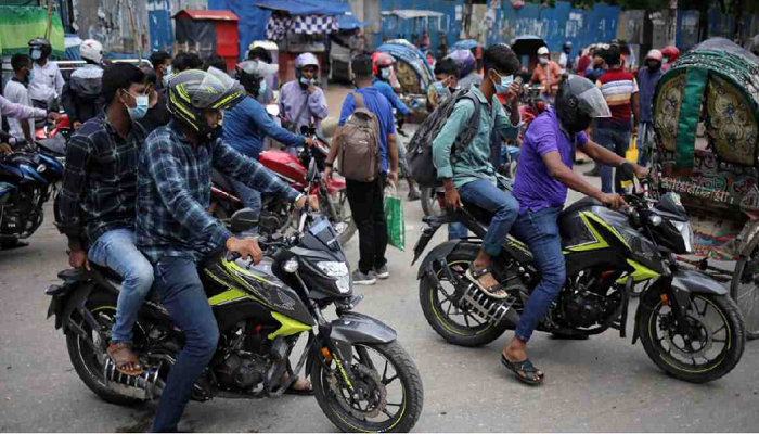 Dhaka's traffic overload that never ends, not even in lockdown!
