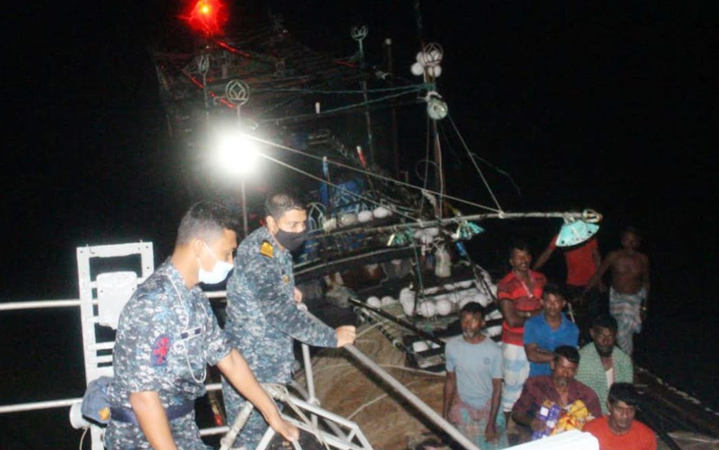 Navy rescues 17 fishermen from Bay of Bengal
