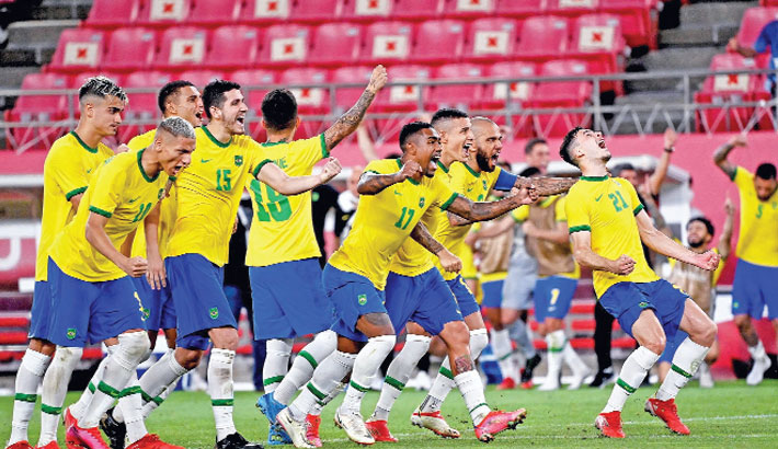 Brazil down Mexico on penalties to reach final