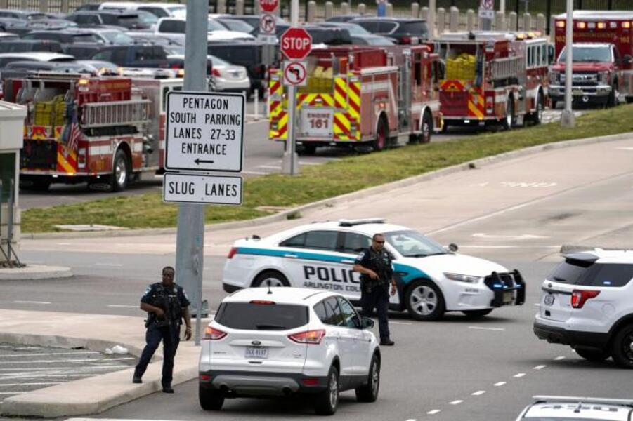 Officer dead, suspect killed in violence outside Pentagon
