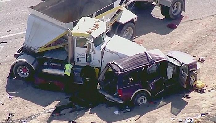 At least 10 dead in road Texas crash near Mexico border
