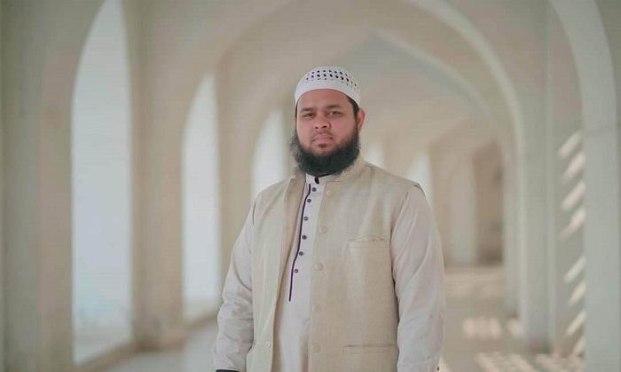 How Md Ubaidullah comes Islamic artist?